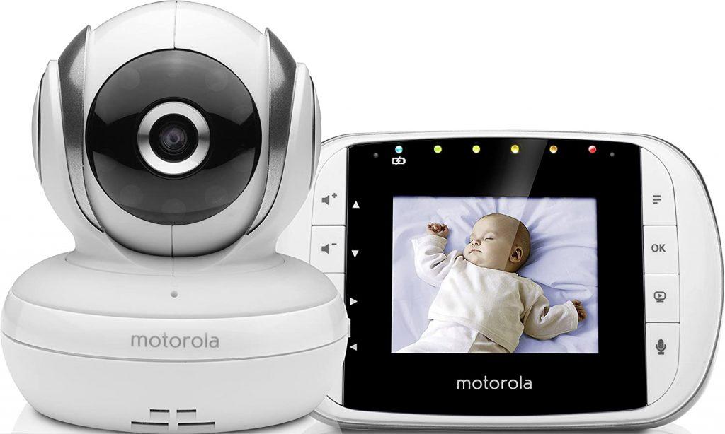 Le babyphone vidéo Motorola MBP 33 a un écran de 2,8 pouces.
