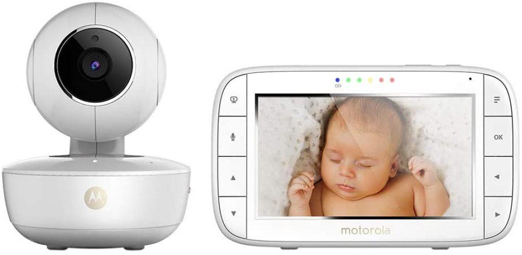 Le babyphone Motorola MBP 55 indique la température dans la chambre de bébé.