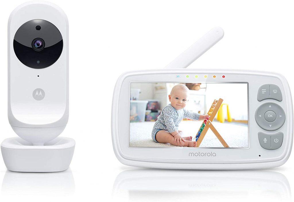 L'écoute bébé Motorola Ease 34 a un écran couleur de 4,3 pouces.
